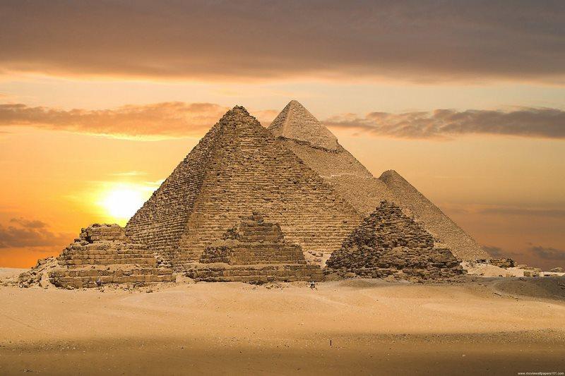 Kim Tự Tháp Kheops lớn nhất trong chuỗi các công trình văn minh cổ đại ở Ai Cập