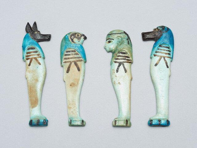 Những mảnh bùaAmulet đem lại may mắn của người Ai Cập cổ đại
